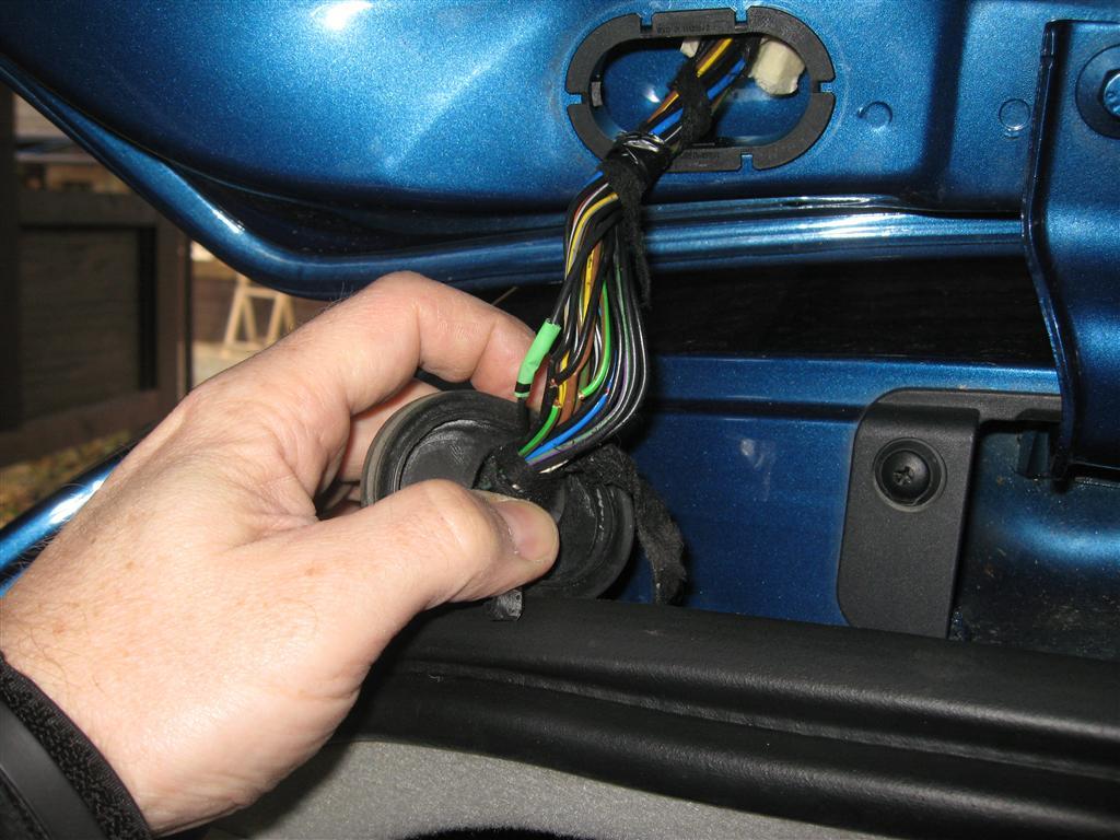 Kabelbruch in der Heckklappe - Elektrik/Elektronik - Ford S-MAX Club